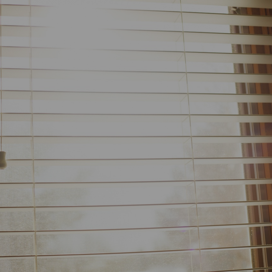 window-924985_1280